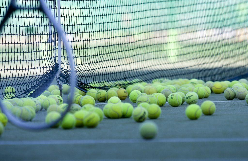 tennis-2100437_1920